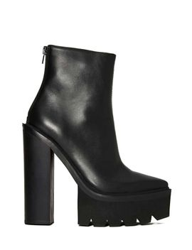 jeffrey-campbell-famous-boot by nasty-gal