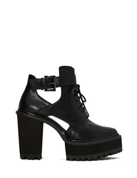 shoe-cult-kickback-platform-boot by nasty-gal