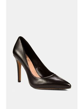 kain-pump by vince-camuto