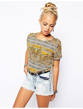 glamorous-cropped-t-shirt-in-border-print by glamorous