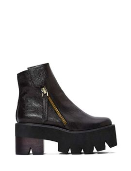 jeffrey-campbell-dulli-leather-platforms by nasty-gal