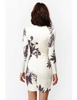 madison-dress---dark-bloom by nasty-gal