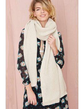 julia-knit-scarf---ivory by nasty-gal