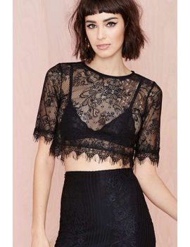wink-back-lace-crop-tee by nasty-gal
