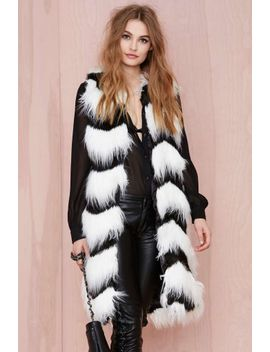 glamorous-opposition-faux-fur-vest by nasty-gal
