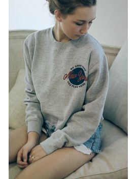 nancy-ny-globe-sweatshirt by brandy-melville