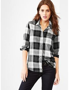 fitted-boyfriend-plaid-poplin-shirt by gap