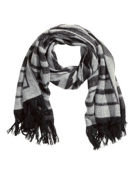 jacquard-weave-scarf by h&m