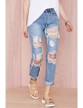 distressing-me-out-jeans by nasty-gal