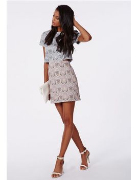 zanna-woven-paisley-shift-dress by missguided