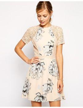 asos---robe-patineuse-avec-imprimé-floral-et-empiècements-en-dentelle by asos-collection
