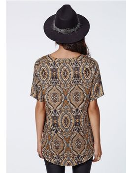 ilya-silky-paisley-curve-hem-shell-top by missguided