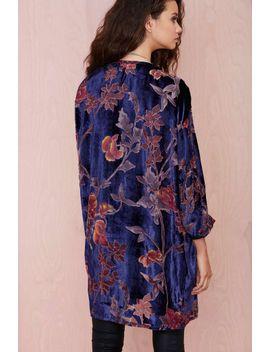 monica-velvet-burnout-kimono by nasty-gal