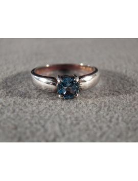 vintage-sterling-silver-solitaire-ring-with-large-round-blue-topaz-stone,-size-8-----m by nicosnostalgia