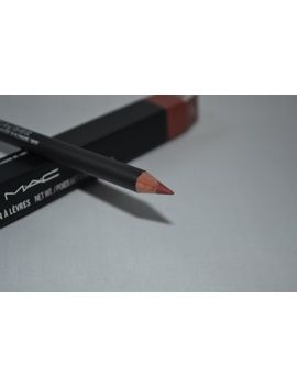mac-lip-pencil-plum by mac
