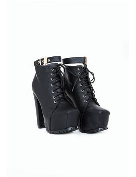 stella-platform-lace-up-boots by missguided