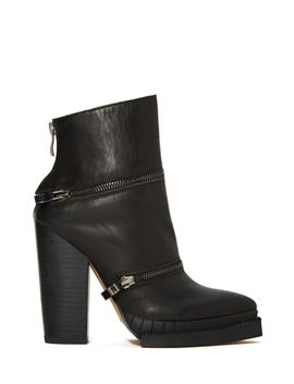 jeffrey-campbell-section-3-boot by nasty-gal