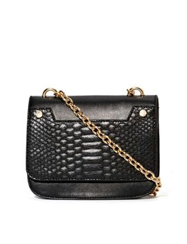 hand-over-bag by nasty-gal