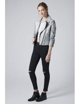 moto-dark-wash-ripped-jamie-jeans by topshop