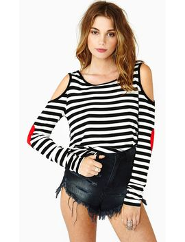 white-black-striped-off-the-shoulder-patch-t-shirt by sheinside