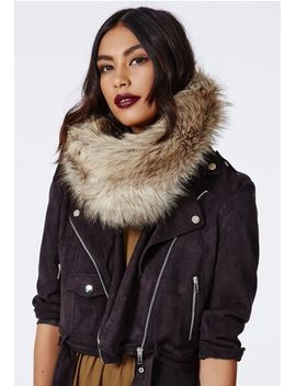 ursela-faux-fur-snood-beige by missguided