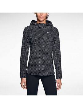 womens-running-jacket by nike