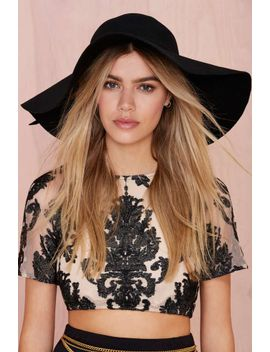 carissa-floppy-hat by nasty-gal