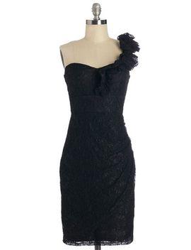 très-fab-dress-in-noir by modcloth