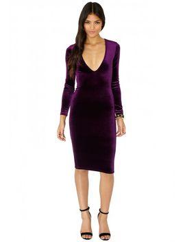 britta-v-neck-velvet-midi-dress-in-purple by missguided