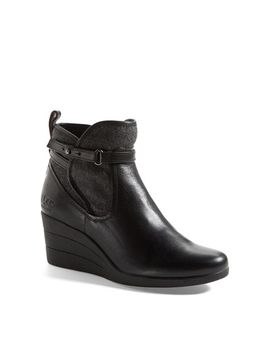 australia-emalie-waterproof-leather-bootie by ugg®