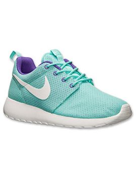 womens-nike-roshe-run-casual-shoes by nike
