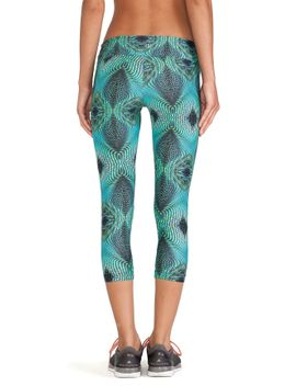 synergy-capri-legging by koral