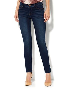 soho-jeans-legging---theatrical-blue-wash---average by new-york-&-company