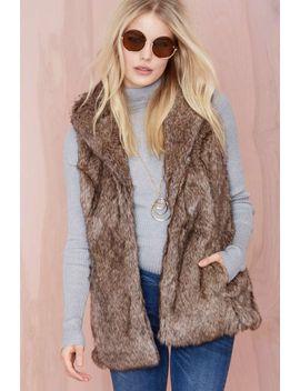 boulder-faux-fur-vest by nasty-gal