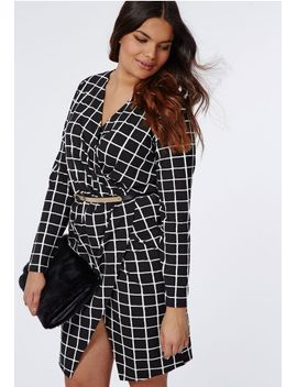 plus-size-grid-print-wrap-dress by missguided