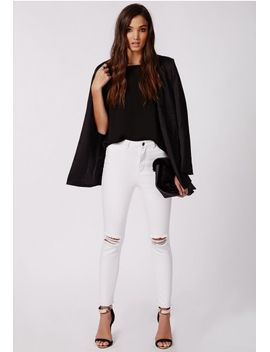 edie-ripped-knee-raw-hem-ankle-grazer-skinny-jeans-white by missguided