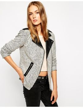 vila-biker-blazer-with-contrast-black-collar by vila