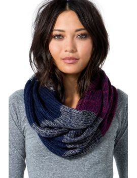 tritone-knitted-infinity-scarf by agaci