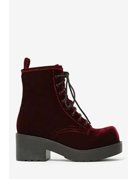 jeffrey-campbell-gnarly-velvet-boot by nasty-gal