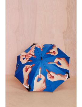 seletti-wears-toiletpaper-lipstick-umbrella by nasty-gal