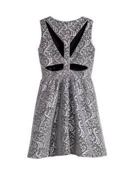 jacquard-patterned-dress by h&m
