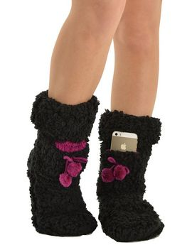 fuzzy-black-and-berry-slipper-boots-with-fleece-lining-and-iphone-pocket-sizes:-medium by mixx