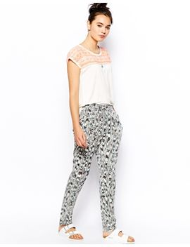 pantalon-en-tissu-doux-imprimé by esprit