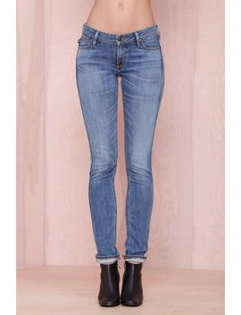 lee-3-year-fade-skinny-jean by nasty-gal