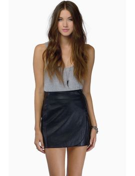 hot-mesh-black-short-sleeve-tee by tobi