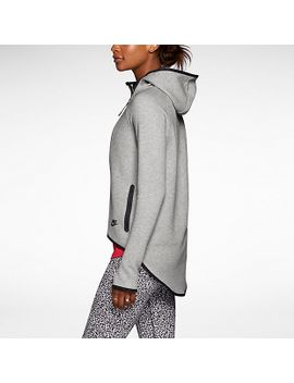 womens-cape by nike