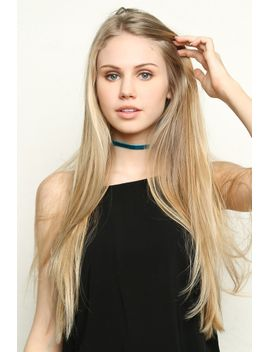 blue-velvet-choker by brandy-melville