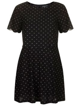 petite-daisy-scallop-overlay-dress by topshop