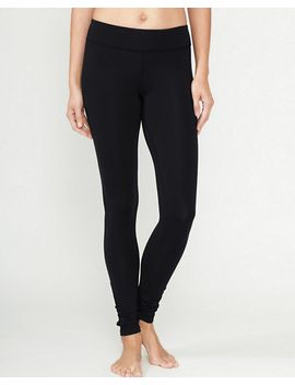 zinni™-by-garnet-hill-signature-ruched-ankle-length-yoga-leggings by garnet-hill