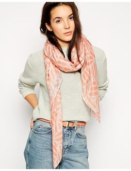 pieces-lightweight-scarf-in-tonal-print by pieces